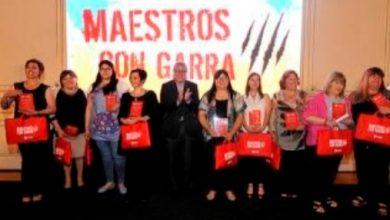 """Photo of Comuna y vecinos reconocerán a """"Maestros con garra"""""""