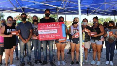"Photo of Entregaron tarjetas ""Soy Tigre"" a feriantes populares"